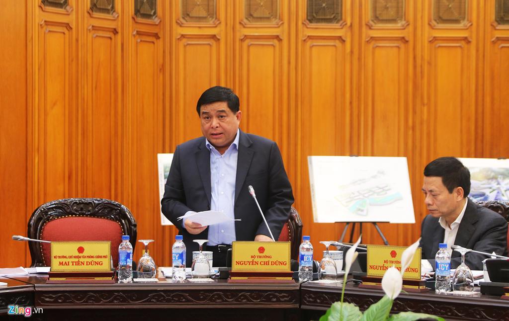 Đồng chí Nguyễn Chí Dũng tại buổi họp