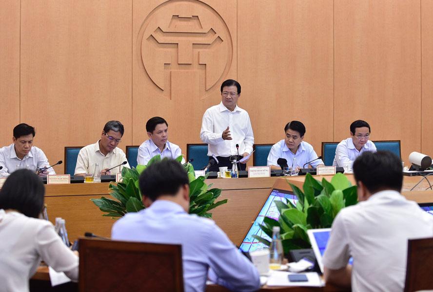 Phó Thủ tướng Trịnh Đình Dũng phát biểu tại buổi làm việc.