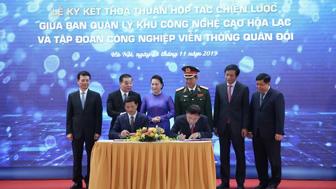 Viettel và Ban quản lý khu công nghệ cao Hoà Lạc ký thoả thuận chiến lược